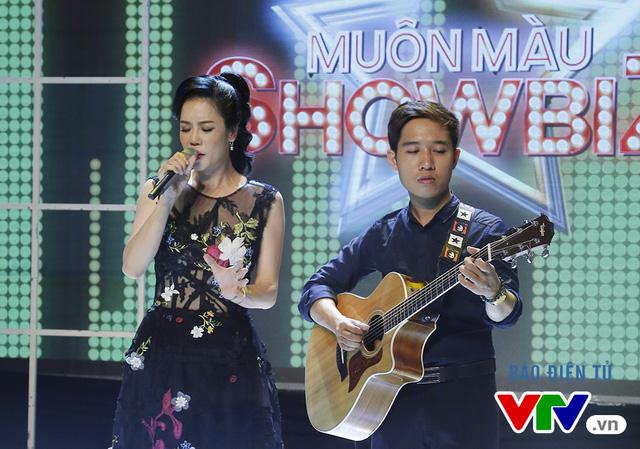 Bên cạnh đó, Thu Phương còn thể hiện một số ca khúc nổi tiếng đã gắn liền với tên tuổi của cô.