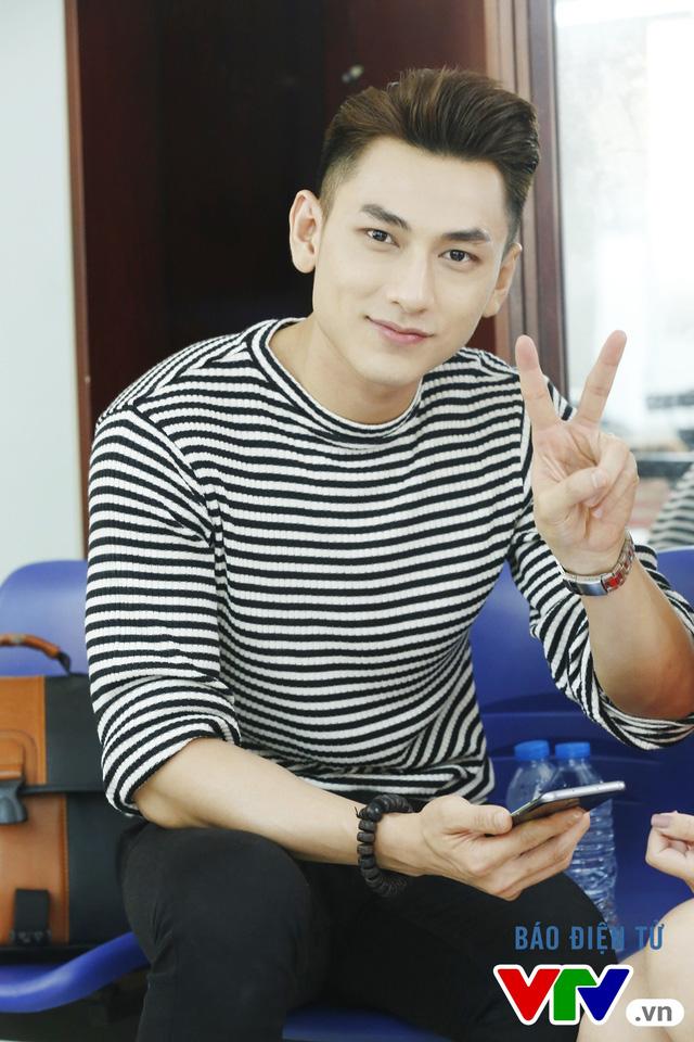 Isaac tên thật là Phạm Lưu Tuấn Tài, sinh năm 1988. Anh được biết đến là chàng trưởng nhóm điển trai, tài năng của nhóm nhạc 365.