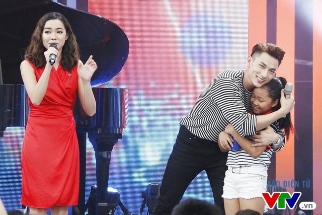Thời gian qua, anh được đông đảo khán giả chú ý khi trở thành giám khảo của Vietnam Idol Kids.
