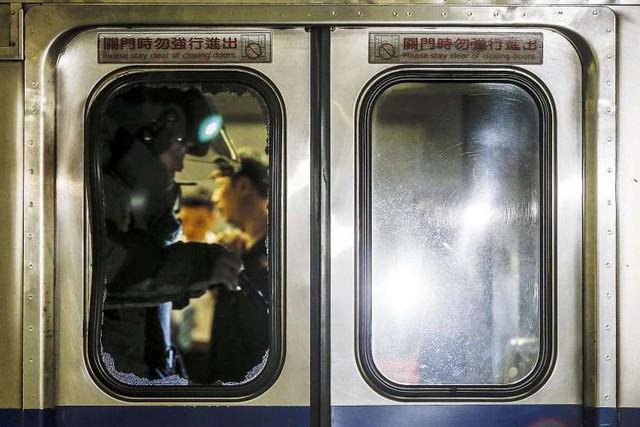 Vụ nổ tàu ở ga Tùng Sơn (Đài Loan) đã khiến ít nhất 24 người bị thương và gây ra tình trạng hỗn loạn tại đây (Ảnh: China Post)