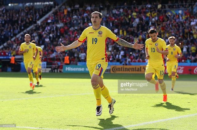 Cũng như Albania, ĐT Romania vẫn còn hi vọng cạnh tranh suất dự vòng 16 đội. Ảnh: Getty