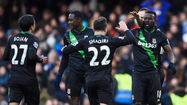 Stoke City có bàn gỡ ở phút cuối trận và lấy 1 điểm rời Stamford Bridge.