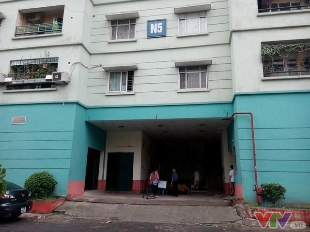 Sự việc xảy ra đêm ngày 12/8 tại khu chung cư N5, Đồng Tàu, phường Thịnh Liệt (Hoàng Mai, Hà Nội).
