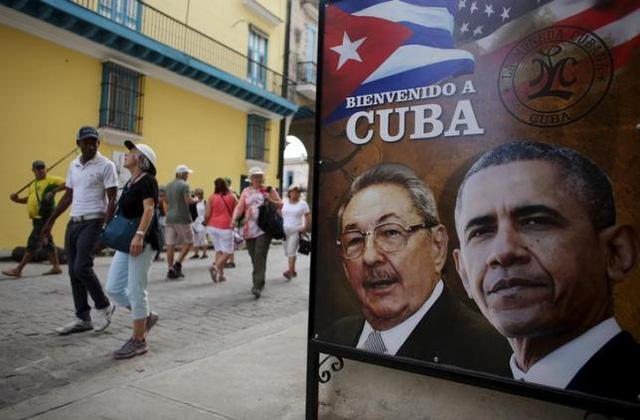 """Hình ảnh Tổng thống Mỹ - Barack Obama và Tổng thống Cuba - Raul Castro kèm theo tiêu đề """"Chào mừng tới Cuba"""" xuất hiện ở nhiều nơi tại Havana (Ảnh: Reuters)"""