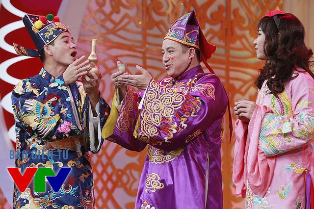 3 nghệ sĩ Xuân Bắc, Chí Trung và Công Lý đã có phần tung hứng tạo nhiều cảm xúc cho khán giả.