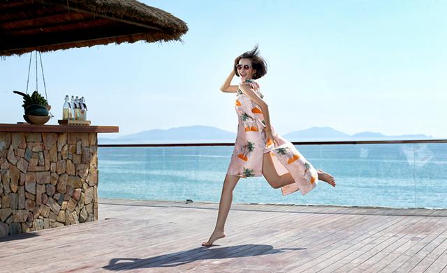 Kim Chi sở hữu gương mặt nữ tính, cuốn hút. Đây là lợi thế để chụp ảnh quảng cáo mắt kính.