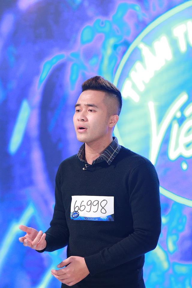 Đặng Tuấn Phong - tác giả bản hit Vì mất đi ánh mặt trời - cũng giành được vé vàng. Anh chàng đã chứng minh mình có khả năng ca hát bên cạnh khả năng sáng tác.