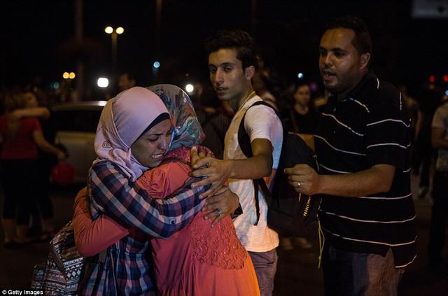 Nhiều người may mắn thoát nạn sợ hãi sau vụ tấn công kinh hoàng.