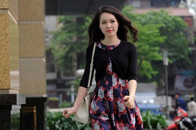 Rời vị trí MC, Thụy Vân thường lựa chọn trang phục đơn giản và thoải mái. Á hậu Việt Nam 2008 chia sẻ: Chỉ những gì phù hợp với mình mới khiến mình tự tin được - đó là quan điểm của Thụy Vân trong ăn mặc.