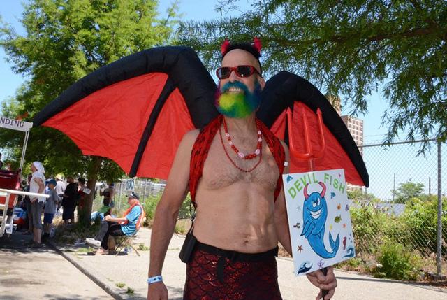 Todd Cane đến từ New Jersey hóa trang thành quái vật.