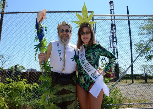 Vua và Hoàng hậu Rong biển- Tony và Deborah Natale, cư dân New York.