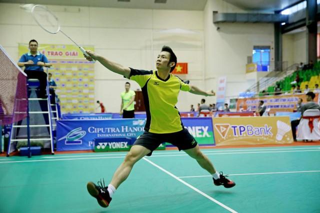 Tiến Minh đã đăng quang giải cầu lông Hà Nội Ciputra sau 2 set đấu. Ảnh: Anh Hoàng - Tuổi Trẻ