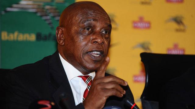 Tỷ phú Sexwale khó có cửa trong cuộc đua giành vị trí Chủ tịch FIFA