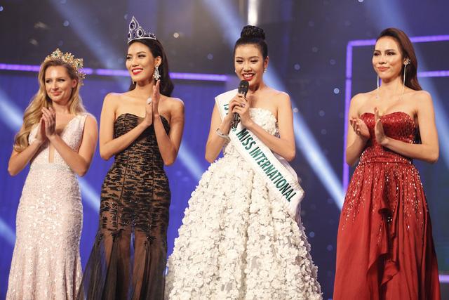 Top 3 Hoa khôi Áo dài mùa đầu tiên - Lan Khuê, Thúy Vân, Lệ Quyên - chia sẻ những cảm xúc và kinh nghiệm hoạt động trong 1 năm qua.