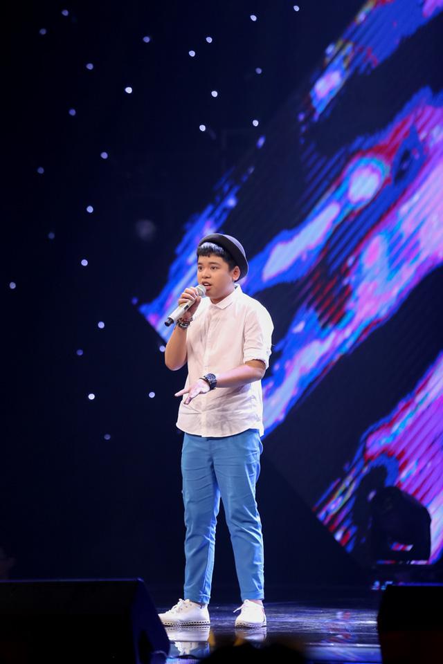 Thí sinh Trần Đình Nguyên khoe giọng hát cùng kỹ thuật tốt qua ca khúc Đông – Vũ Cát Tường.