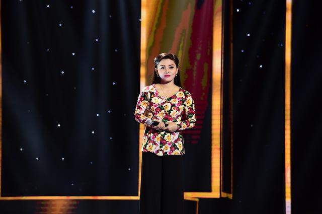 Trần Thị Hồng Quyên dự thi ca khúc Bậu nhớ người thương (Nguyễn Ngọc Thạch)