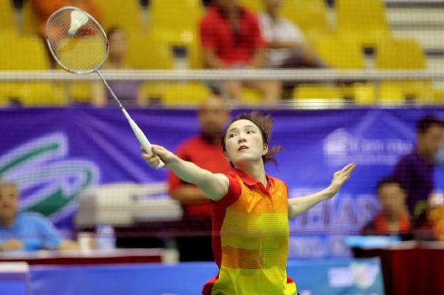 Vũ Thị Trang ngược dòng ấn tượng trong trận chung kết đơn nữ. Ảnh: Anh Hoàng - Tuổi Trẻ