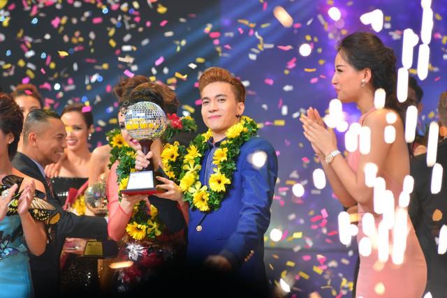 Thành viên nhóm nhạc 365 trở thành thí sinh nam đầu tiên đăng quang qua bảy mùa cuộc thi khiêu vũ dành cho giới nghệ sĩ.