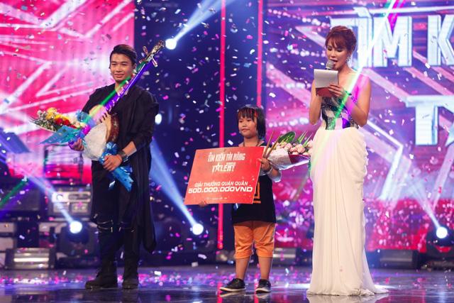 Với lượng bình chọn áp đảo hơn, Trọng Nhân đã trở thành Quán quân Vietnams Got Talent 2016, còn Trung Lương giữ ngôi Á quân.