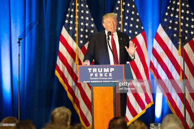 Ông Donald Trump có nhiều tuyên bố gây sốc về cuộc chiến chống IS trong bài phát biểu tại Ohio.