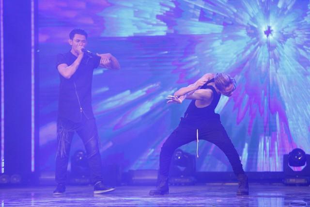 Khán giả được thưởng thức màn diễn thú vị pha trộn giữa âm nhạc, beatbox và nhảy bẻ xương.