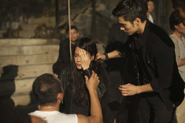 Trương Ngọc Ánh hoảng sợ khi bị thương ở mắt