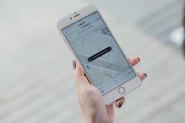 Uber cho biết, người dùng sử dụng dịch vụ mới đơn giản như dịch vụ với UberX cho xe ô tô thường và UberBlack cho xe ô tô sang (Ảnh: Uber)
