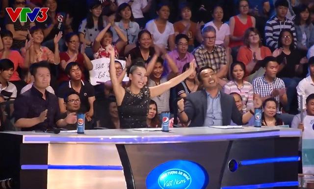 Ban giám khảo phấn khích trước màn trình diễn của Janice Phương.