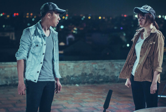 Trấn Thành và Hari Won trong một phân cảnh căng thẳng trong phim (Ảnh: Galaxy)
