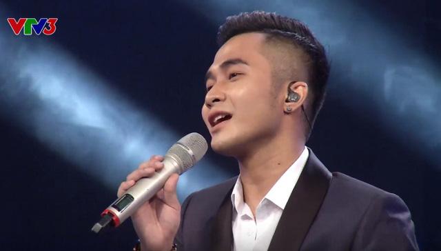 Anh chàng có khả năng tự sáng tác nhạc - Tuấn Phong - đã bị loại trong đêm bán kết đầu tiên.