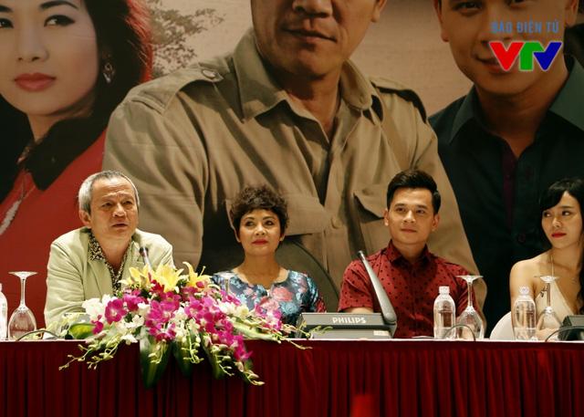 Bộ phim mới của NSƯT - đạo diễn Quốc Trọng sẽ tiếp nối khung giờ phát sóng vào 20h40 thứ 4,5,6 hàng tuần trên kênh VTV1 sau khi phim Lời ru mùa đông kết thúc.