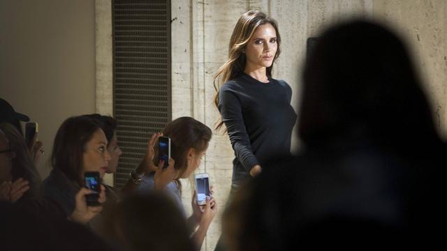 Vic hiện đang tập trung cho sự nghiệp của một NTK thời trang. Cô được cho biết đang muốn lấn sân sang dòng thời trang áo cưới. (Ảnh: Senautus)