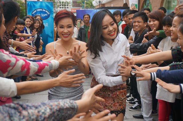 Uyên Linh và Hoàng Quyên là giám khảo của vòng sơ loại tại Đà Nẵng vào mùa trước.