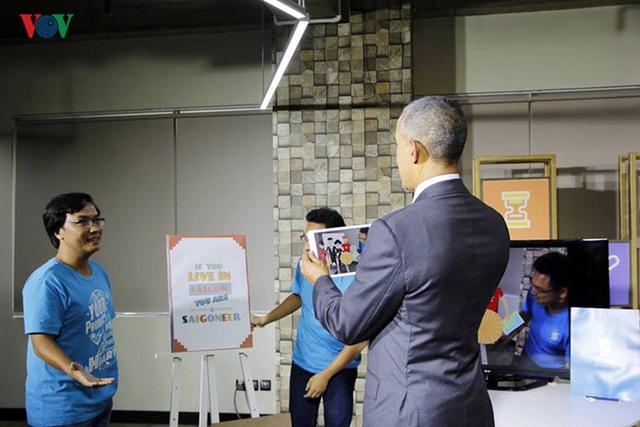 Ông Obama đã rất ấn tượng trước sản phẩm sáng tạo của các nhà doanh nghiệp trẻ