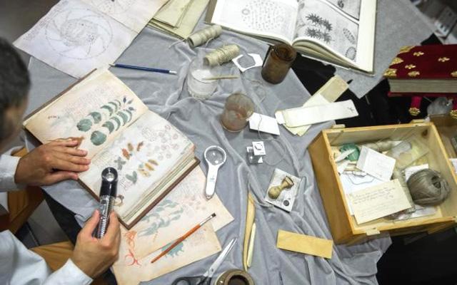 Các công việc để cho ra một tập bản thảo của cuốn sách đều được thao tác thủ công.