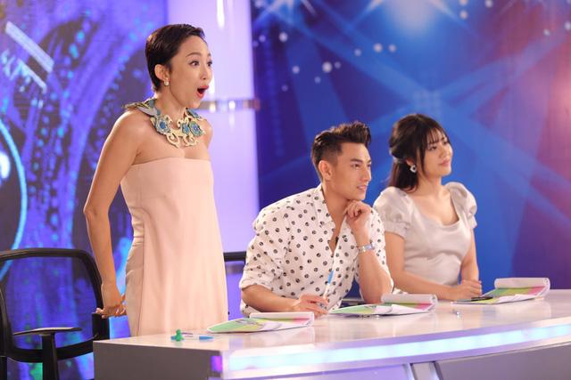 Chủ nhân hit Ngày mai - Tóc Tiên - phấn khích trước phần trình diễn của cô bé