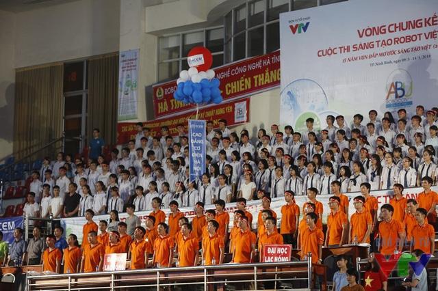 Lễ chào cờ tại lễ khai mạc Robocon Việt Nam 2016