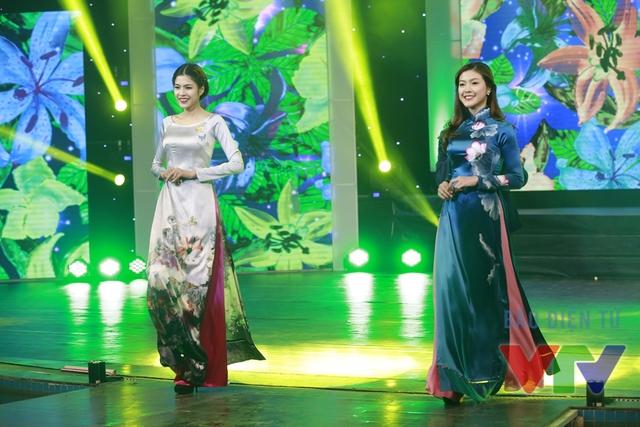 Những thiết kế áo dài của NTK La Hằng mang tới đêm Gala Tết Việt.