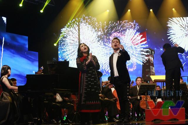 Trên sân khấu, cặp nghệ sĩ này luôn khiến khán giả đứng ngồi không yên trước những màn trình diễn thăng hoa.