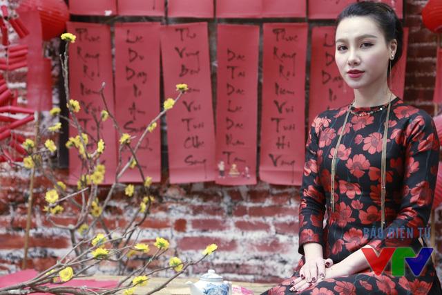 Minh Hà là gương mặt MC quen thuộc của Café sáng với VTV3 và Chúng tôi là chiến sĩ.