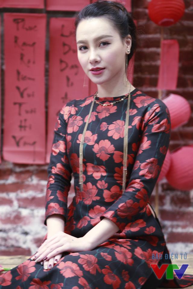 Ngoài công việc của một MC, Minh Hà cũng được biết đến qua các vai diễn trên phim truyền hình.