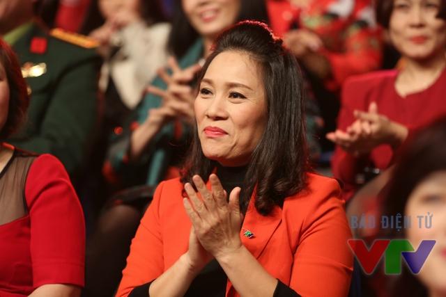 Hiện tại, nhà báo Tạ Bích Loan là Trưởng ban Thanh thiếu niên (VTV6).