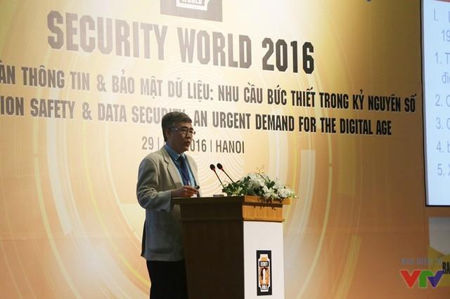Ông Lê Thanh Hải - Cục trưởng Cục ATTT, Bộ TT&TT - phát biểu tại hội thảo