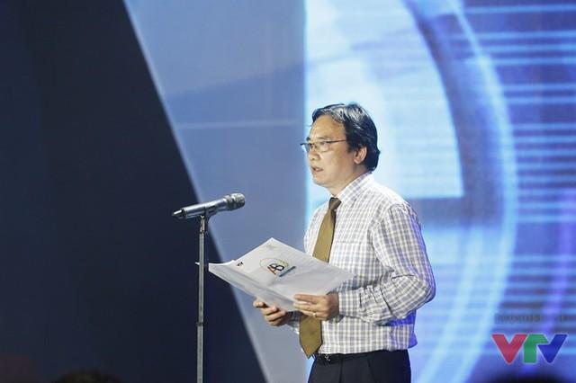 Ông Phạm Việt Tiến - Phó Tổng Giám đốc Đài THVN, Trưởng Ban Giám khảo Robocon Việt Nam 2016 phát biểu khai mạc