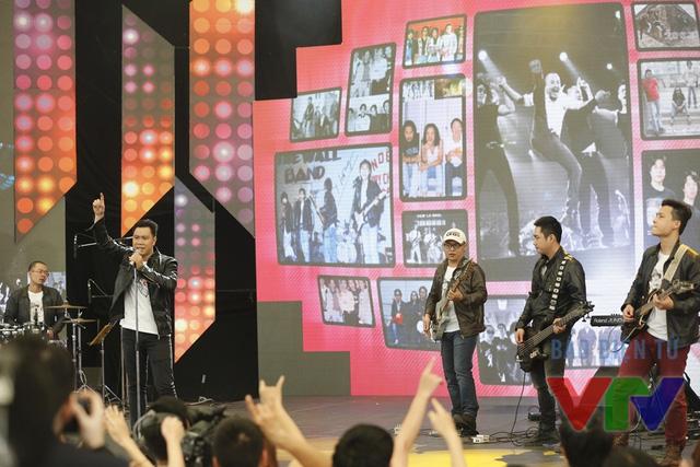Trong chương trình, khán giả đã được nghe nhiều ca khúc do Trần Lập sáng tác.