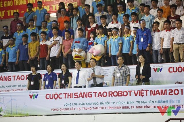 Các đại biểu dự lễ khai mạc cuộc thi Robocon Việt Nam 2016