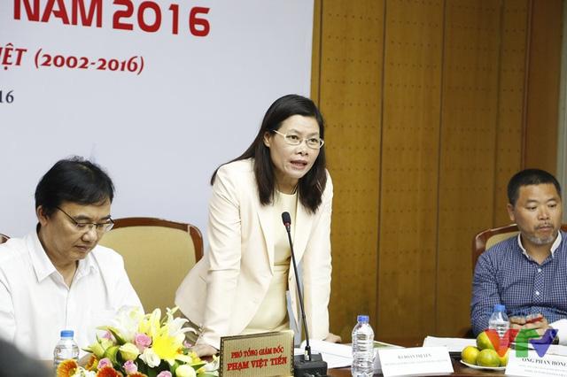 Bà Đoàn Thị Yến - Phó Tổng Giám đốc Công ty ô tô Toyota Việt Nam - đại diện nhà tài trợ chính của cuộc thi Robocon Việt Nam 2016 phát biểu tại buổi họp báo
