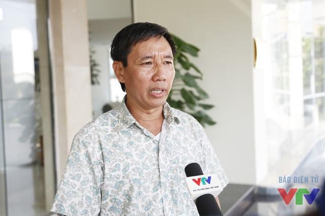 Thầy Nguyễn Tấn Thông - Trưởng đoàn Robocon 2016 của trường Đại học Trần Đại Nghĩa