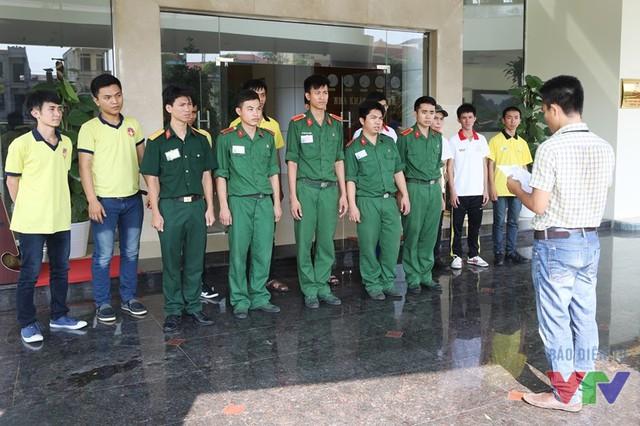 Chỉ đạo viên phân công công việc cho từng thành viên của đoàn ngay khi đến Ninh Bình