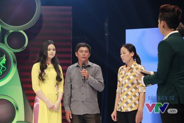 Bố của Nguyễn Thị Hà chia sẻ cảm nghĩ trước sự lột xác của con gái.